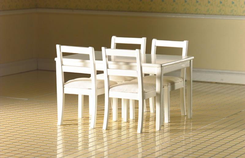 4 Witte Eetstoelen.Witte Eetltafel Met 4 Witte Stoelen Met Zachte Zitting Emp3665